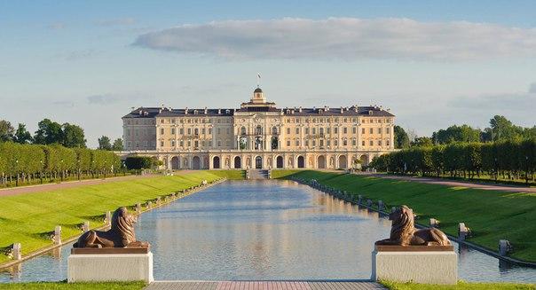 Стрельна: Дворец Петра I и Константиновский дворец.