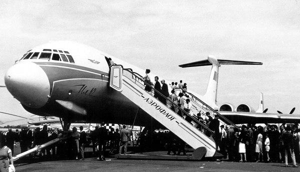 ИЛ-62: первый пассажирский реактивный самолет в СССР