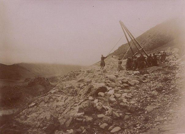 Строительство телеграфной линии Токмак-Пржевальск в 1900 г.