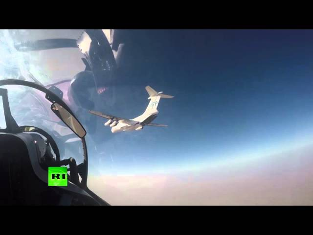 Russian Su-30 jets escort WFP aid delivery to ISIS-besieged Syrian town