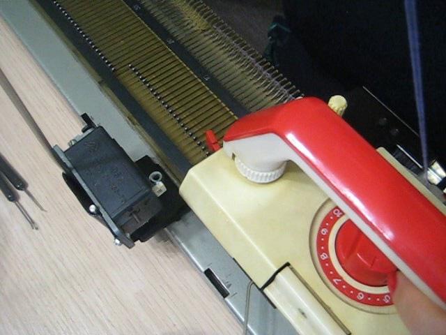 Нева 5 Начало вязания Работа рычагов на каретке