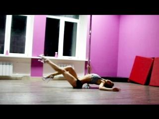 Студия танца на пилоне и воздушной акробатики LM & Girls в Великих Луках