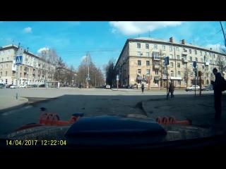 Мастер 80-го уровня починил светофор! БУДЬ С НАМИ!!!! https://vk.com/sav_kirov