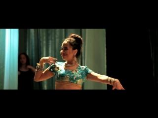 Индийский танец в стиле