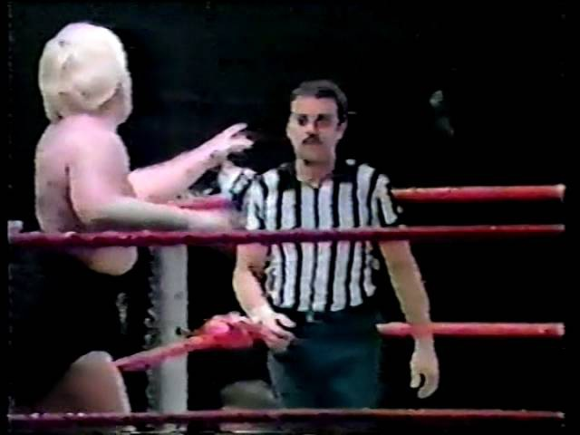 Mad Dog Vachon vs Bobby Heenan