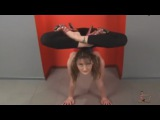 Very flexible gymnast girl. Splits - Video Dailymotion