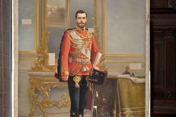 Портрет Ленина почти сто лет скрывал изображение