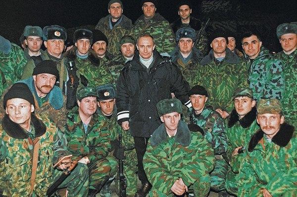 В.В. Путин среди бойцов федеральных сил РФ