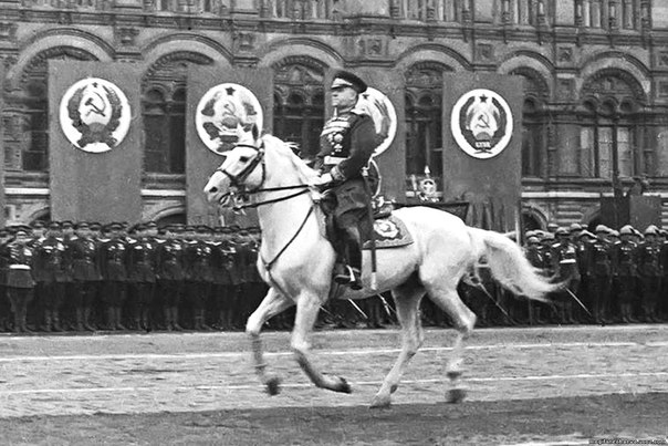 1 декабря 1896 года - родился Георгий Жуков