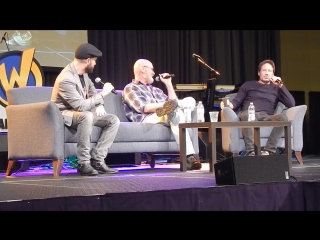 Wizard World New Orleans Comic Con X-Files Panel - Part 1