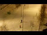 В Сибири ,4 - х летняя девочка загадывает желание в Новогоднюю ночь ,на падающую