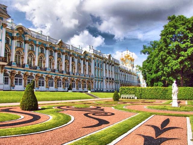 Город Пушкин Царское село Город дворец Императорская резиденция Здесь жив д