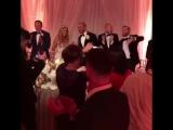 Конор на свадьбе сестры!