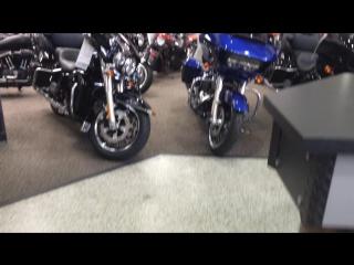 Экскурсия по магазину Harley Davidson