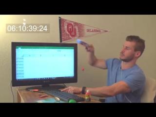 Блогер снял на видео, как он доходит до конца таблицы Microsoft Excel
