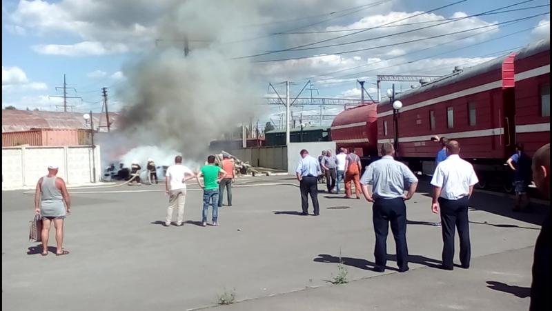 Гасіння пожежі біля Дарницького вокзалу Пожежним потягом.