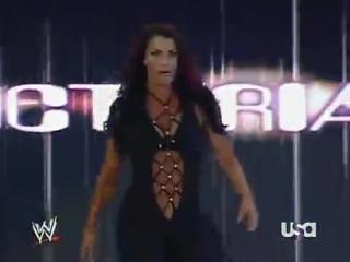 [WWE QTV]Raw 04.09.2007]Mickie James Candice vs Melina Victoria]Мики Джеймс Кэндис против Мелина Виктория]