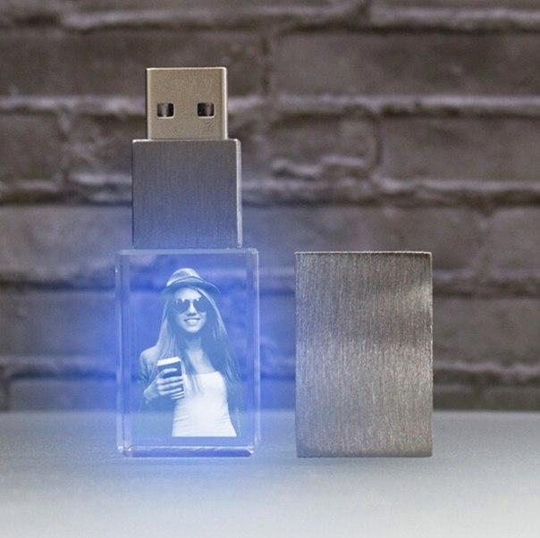 Флешка с лазерной гравировкой!  Дизайн по вашему заказу!