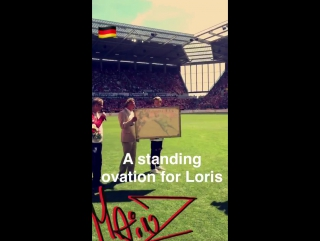 A brilliant gesture prior to kick-off for Loris Karius