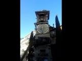 часы около театра марионеток. Тбилиси.