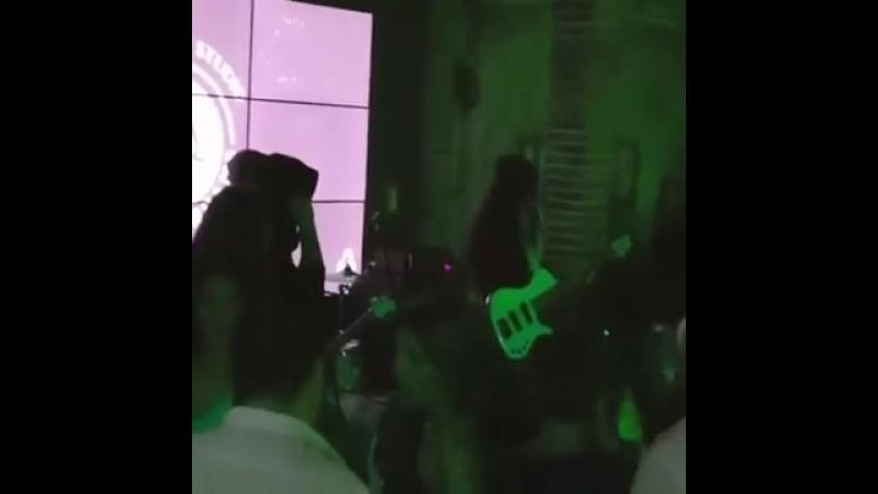 Concertul Carlas Dreams din Târgoviște a fost oprit din cauza unui spectator!