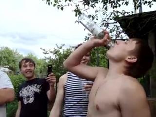 Двойник Путина выпил залпом бутылку беленькой