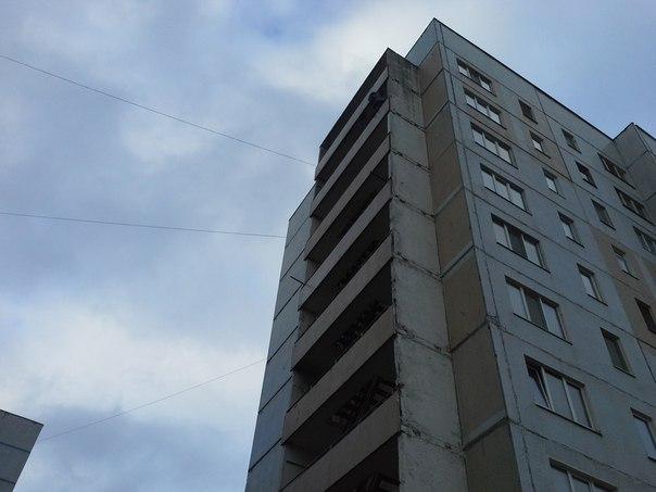 Пытавшийся выброситься с 8 этажа житель Нижнекамска хотел покончить с собой из-за увольнения сына