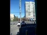 Просто парень катается на авто в центре Москвы с АЗС