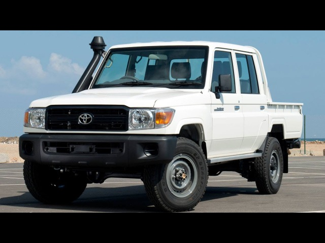 Toyota Land Cruiser 79 Double Cabin - 4.2L Diesel - 6 seater - LHD