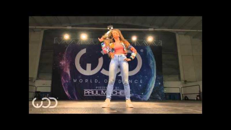 Нереальный танец от девушки-робота