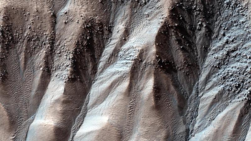 1. Марс. валуны в альковах оврага