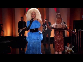 Lady Gaga & RuPaul - Fashion! [The Muppets' Holiday Spectacular]
