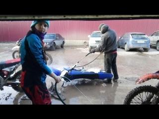 мойка после тренировки по грязи мотокросс  Кутузовский редут, мотошкола ZRT