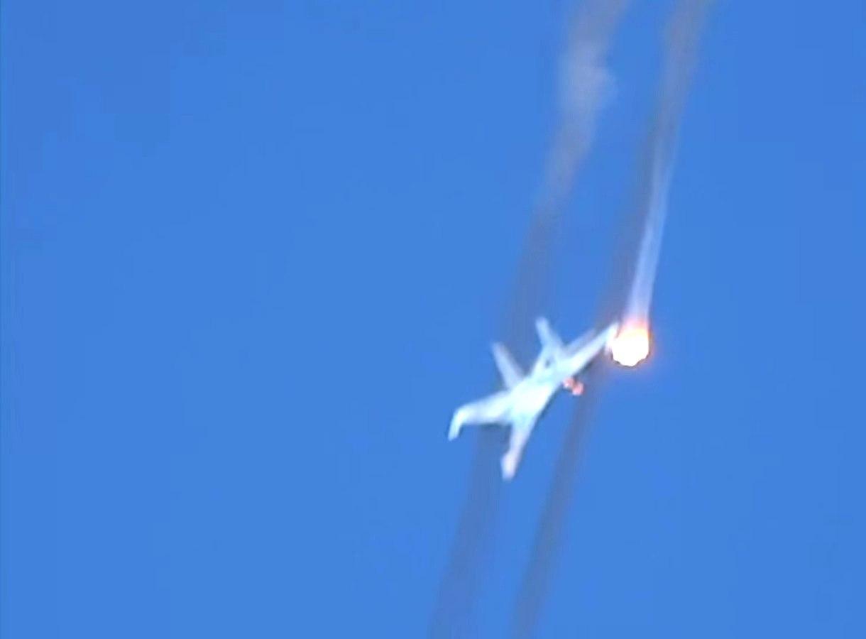 Исполнив филигранные маневры, российский Су-35С разнёс боевиков в Хаме
