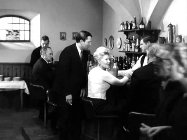 Двое в кафе - Эпизод из кф 17 Мгновений Весны