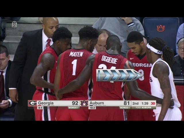 Hilarious Auburn Player Sneaks Into Georgia's Huddle