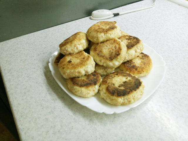 Сырники с яблоками. Вкусно, легко и, почти, диетично!(Cheesecakes with apples.)