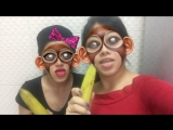 Два бананы и мы