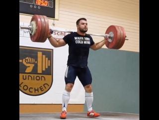 Алексей Торохтий рывок 185 кг+уход+швунг рывковый из за головы.