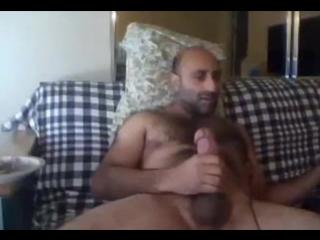 видео кавказец дрочит
