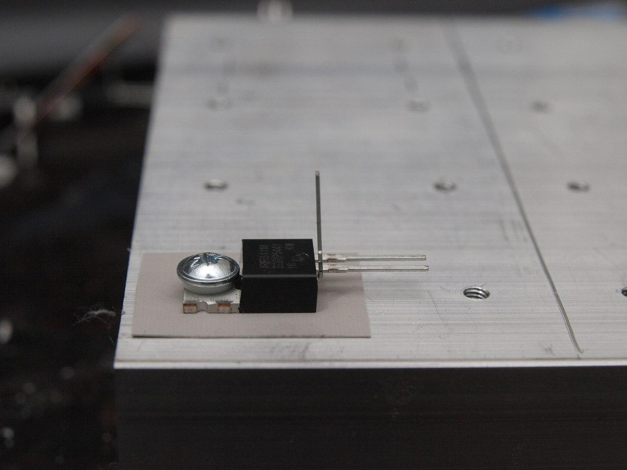 Резьба в алюминиевом радиаторе сверлильным станком