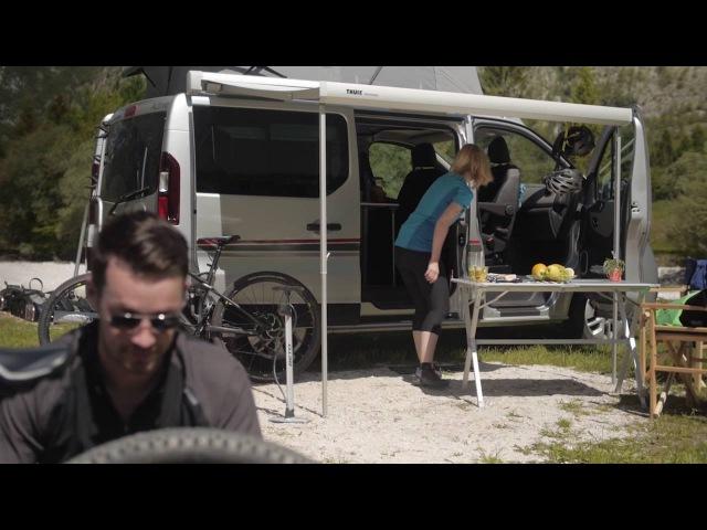Campingbus und PKW Adria Active