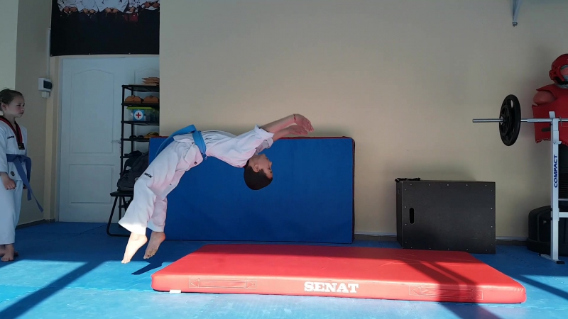 Taekwondo Art Way /Продолжаем тренить акробатику