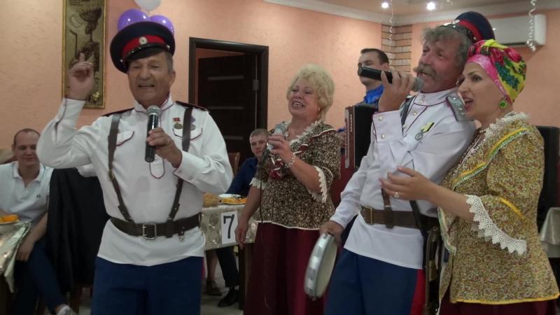 Видеосъемка свадьбы в Волгограде StudioK2A народный ансамбль Донских казаков поет песню на свадьбе для жениха невесты гостей