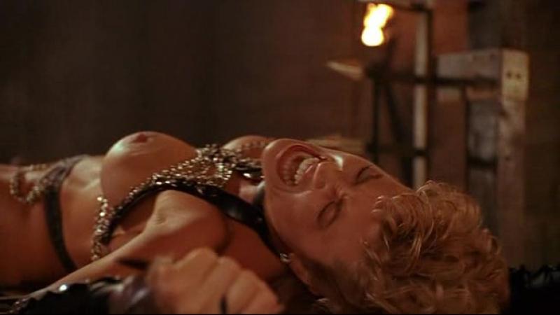 Жирную жопу ебля у склепа из фильма порно пикаперов фото