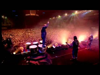 Slipknot - Spit It Out (Live Disasterpieces)