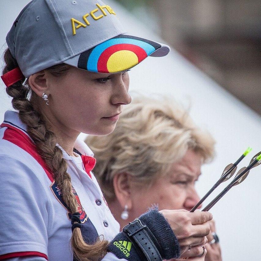 Мария Виноградова оформила медальный дубль на ЧЕ по стрельбе из лука.