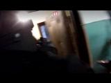 Бойцы Росгвардии сняли на видео штурм квартиры с захваченной заложницей