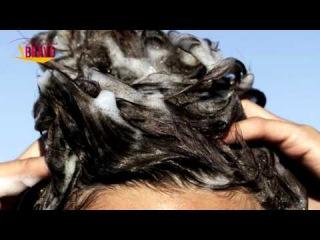 Ella añadio un poco de bicarbonato en el shampoo. Pero cuando se lavo el pelo, el resultado fue?