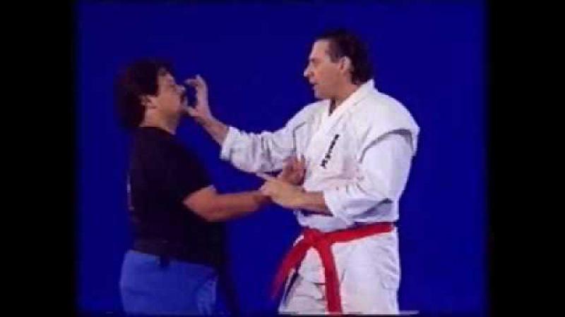 Hanshi Frank Dux demonstrates: Dragon Technique